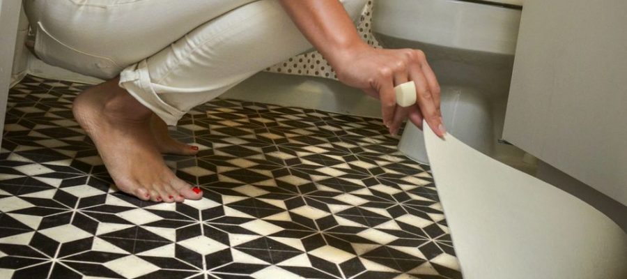 vinyl-floor-mat-via-smallspaces.about.com-56f5c32f3df78c78418a1a10